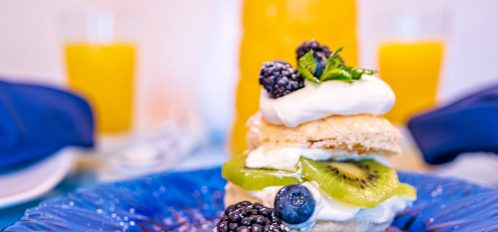 Magpie Inn - Food - Sugar-garnished breakfast plate