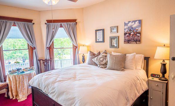 Magpie Inn - Room 1 - Bedroom